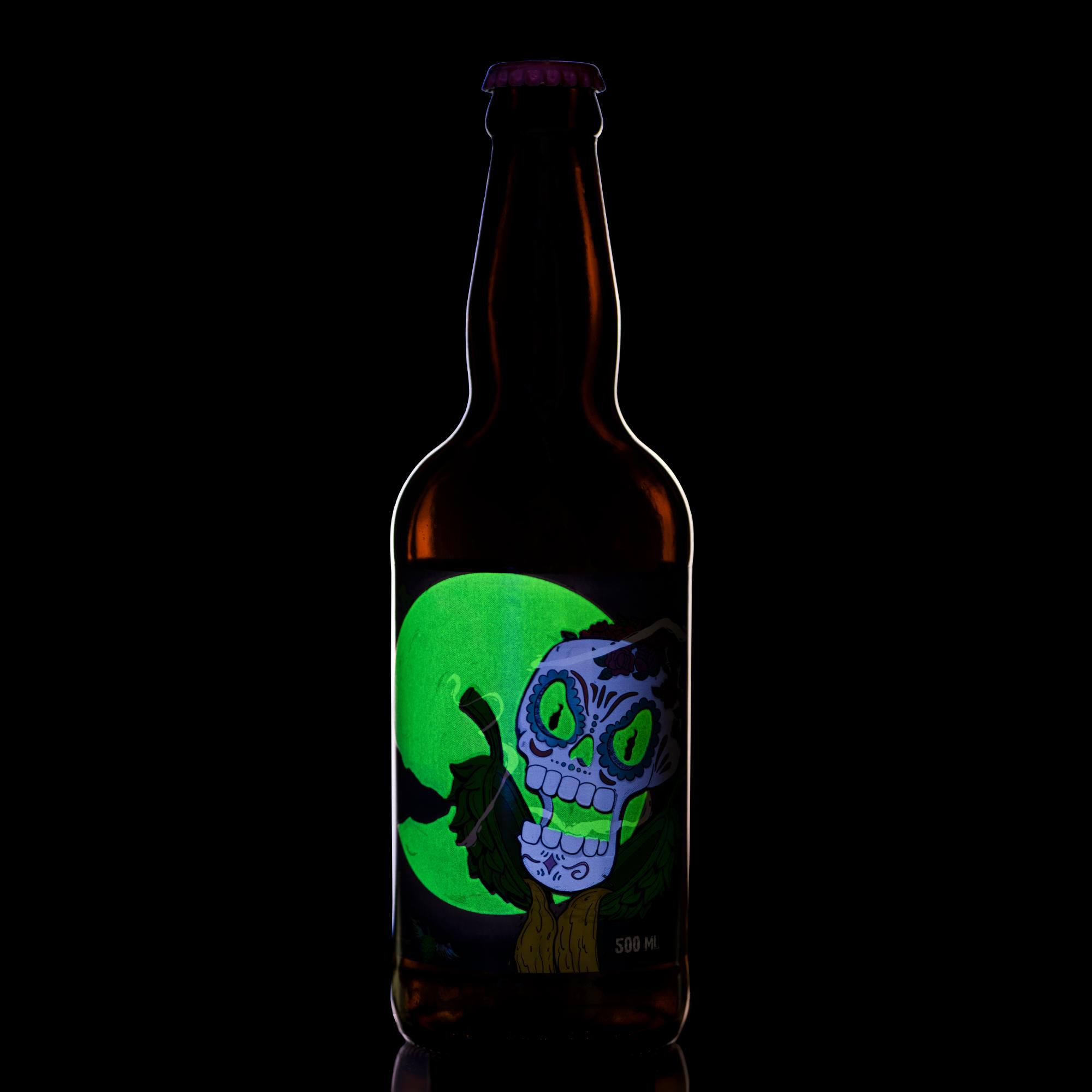 Já imaginou esse efeito na sua cerveja com abóbora de halloween?!
